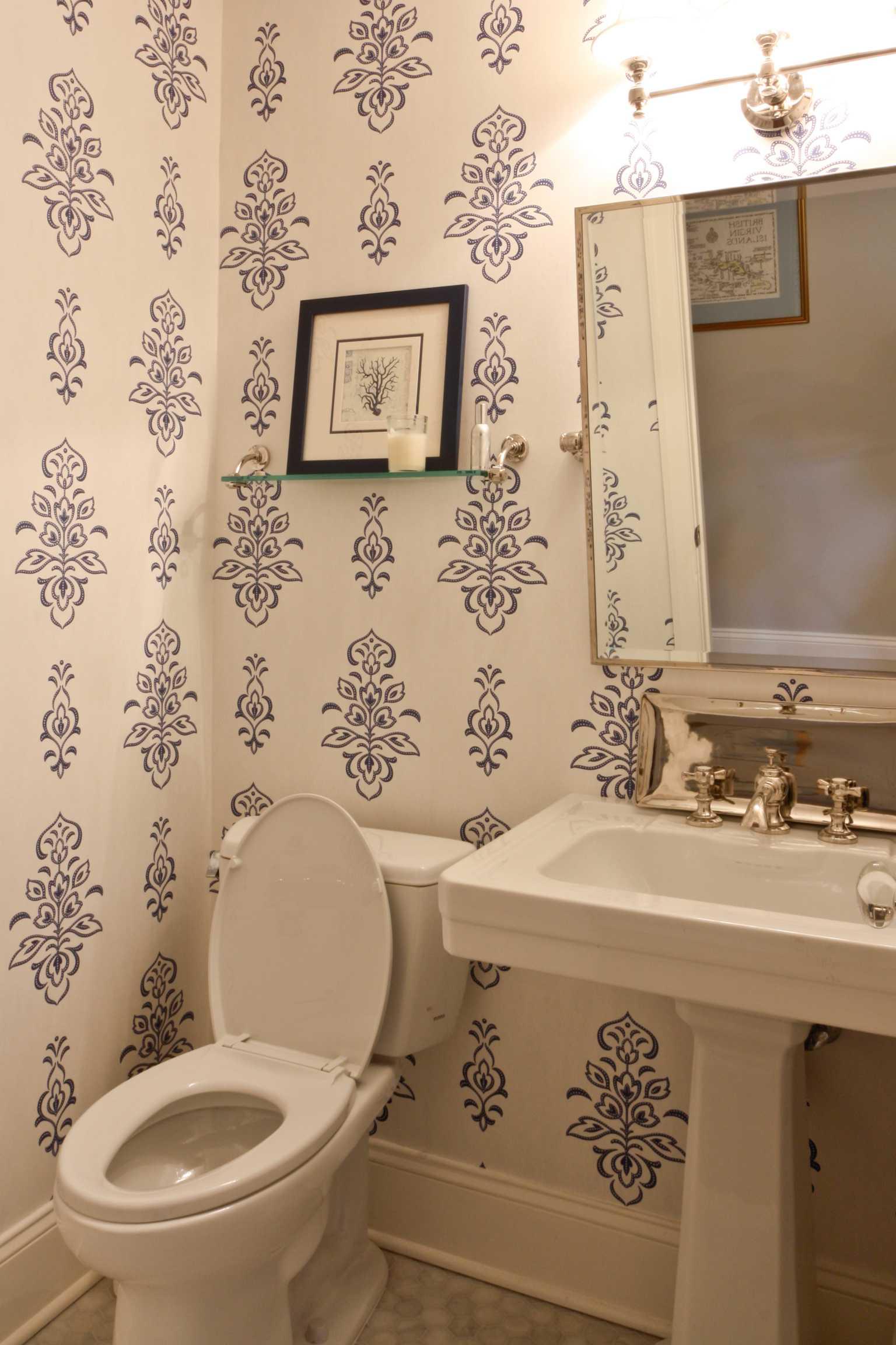 Classic Coastal Bathroom